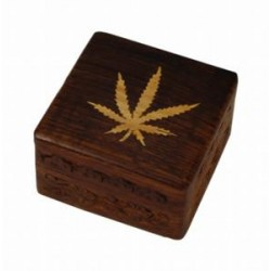 Wood box with Cannabis leaf  |10x10 cm